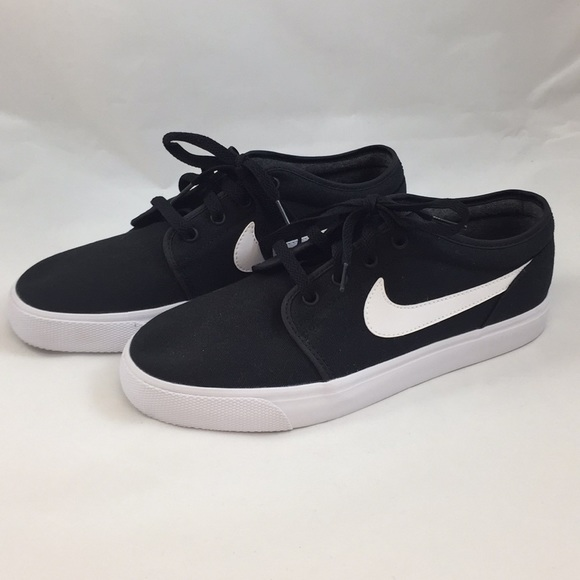 new product 5f9cd 864d7 Nike Toki Low Txt Casual Shoes - Size 9. M 5aff27b9739d48d14eee64ad
